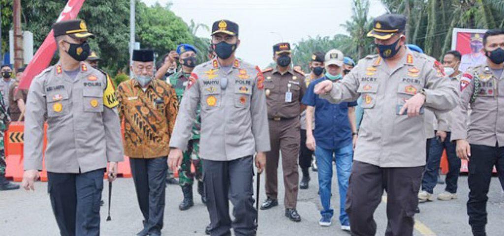 Kapolda Aceh Kunjungi Pos Penyekatan Larangan Mudik Lebaran di Perbatasan Provinsi Aceh - Provinsi Sumatera Utara